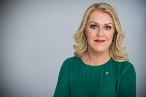 Lena Hallengren Barn-, äldre- och jämställdhetsminister